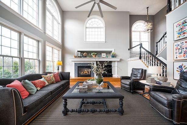 16 - Living Room.JPG