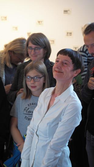 Vera Brüggemann_warten_Eröffnung3.jpg