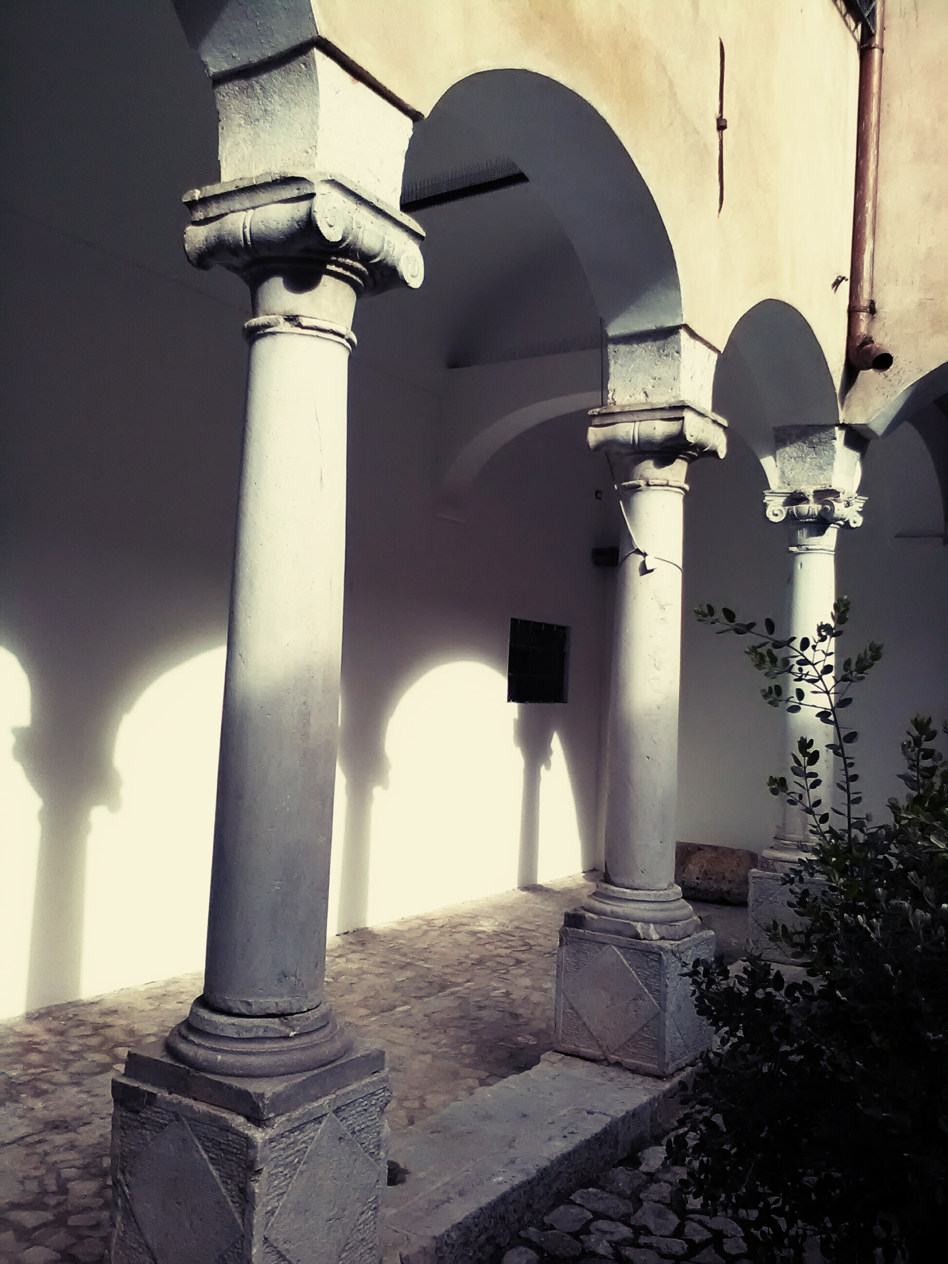 Colonnato chiostro San Francesco