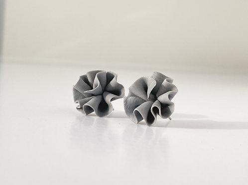 Earrings - GRAY CURLS