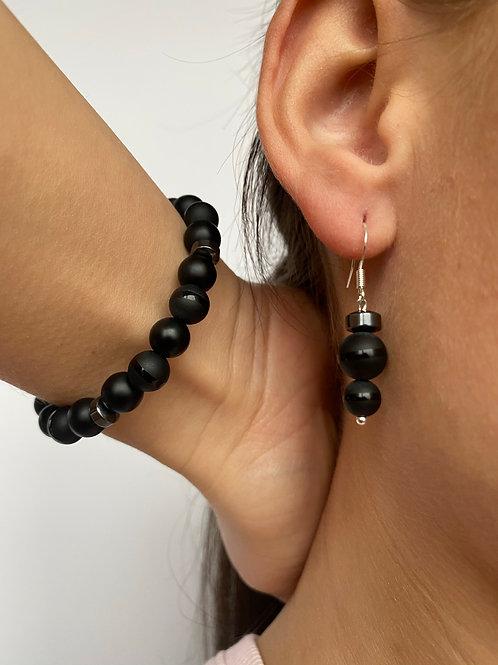 """Female Earrings And Bracelet Kit """"Tvarka"""" with matt black and glossy black beads"""