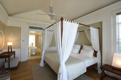 Heritage Le Telfair-Ocean-Suite-3-low