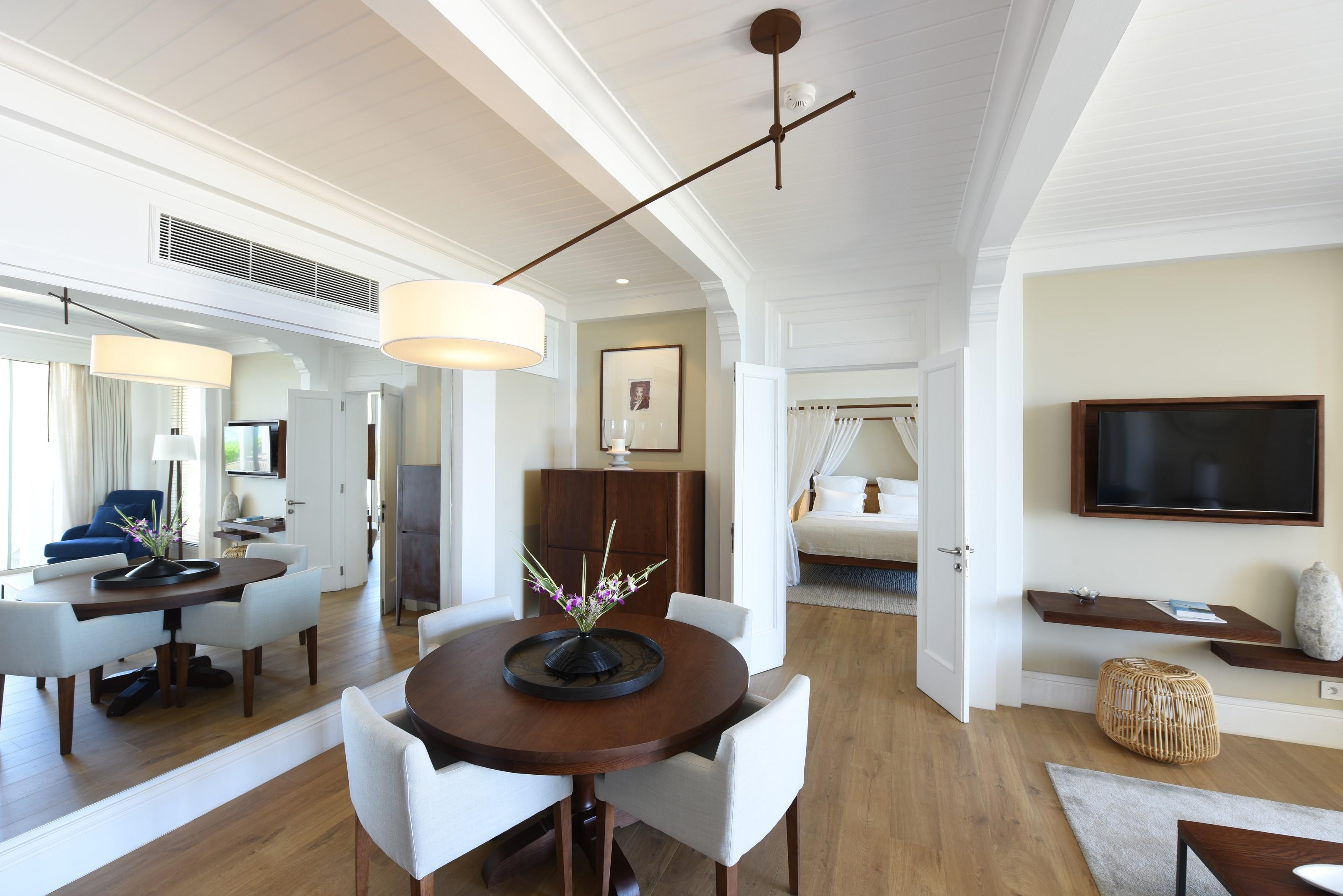 Heritage Le Telfair-Ocean-Suite-1-low