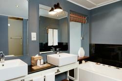 The Ravenala Attitude_bathroom