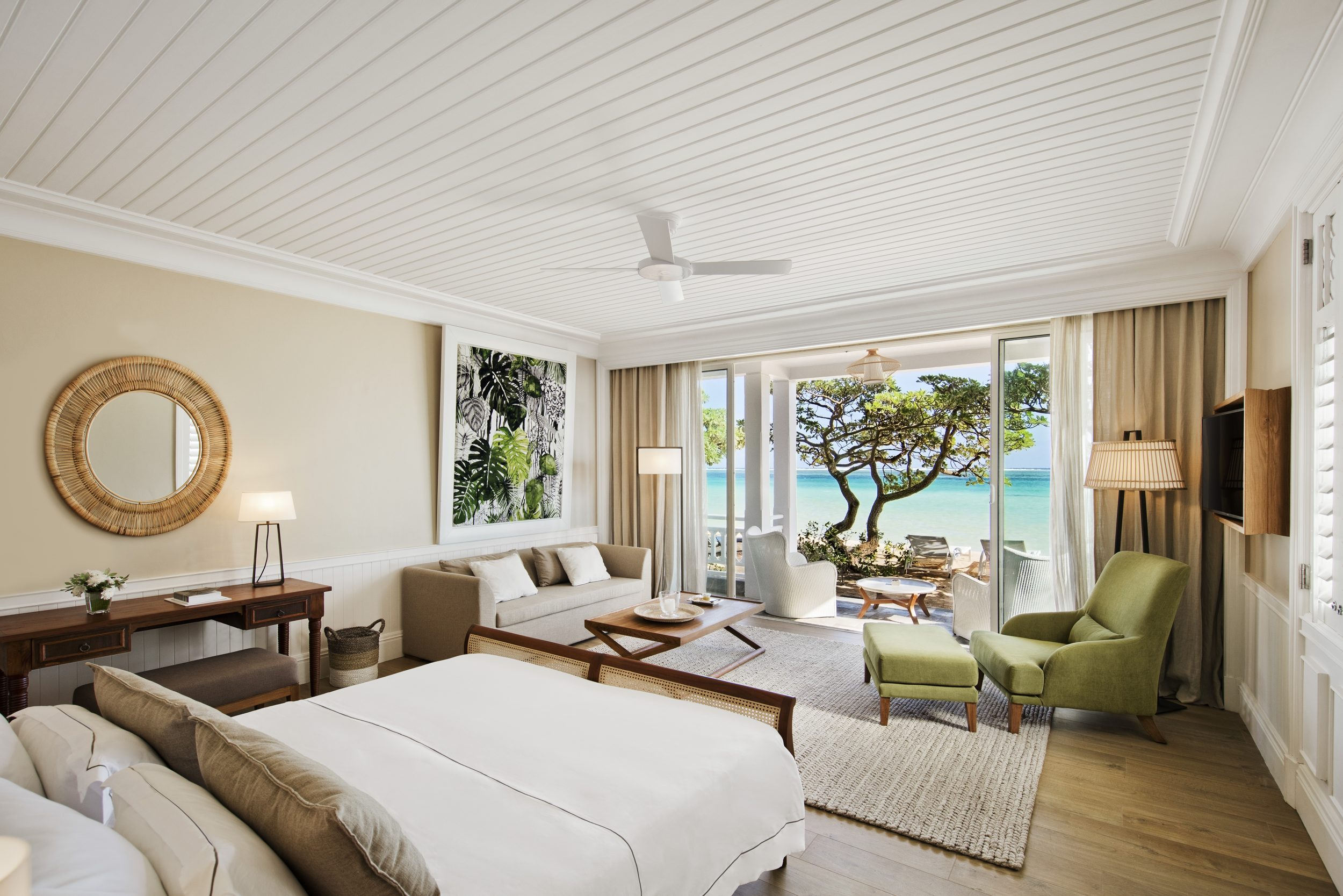 Heritage Le Telfair-Beachfront-Suite-1-l