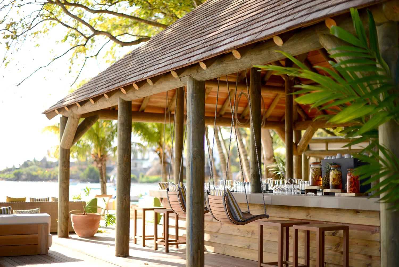 The_Ravenala_Attitude_Ō_beach_restaurant