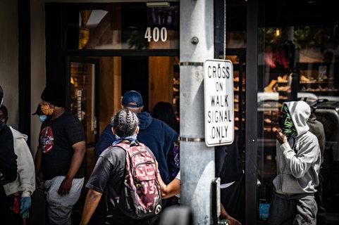 looters SM 2.jpg