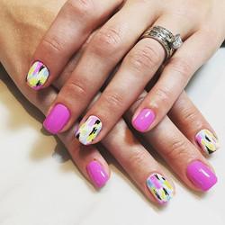_ritz_nails_cedarburg_joslyn #designbyjoslyn #multicolor #handart #nailsalon #cedarburg #wi