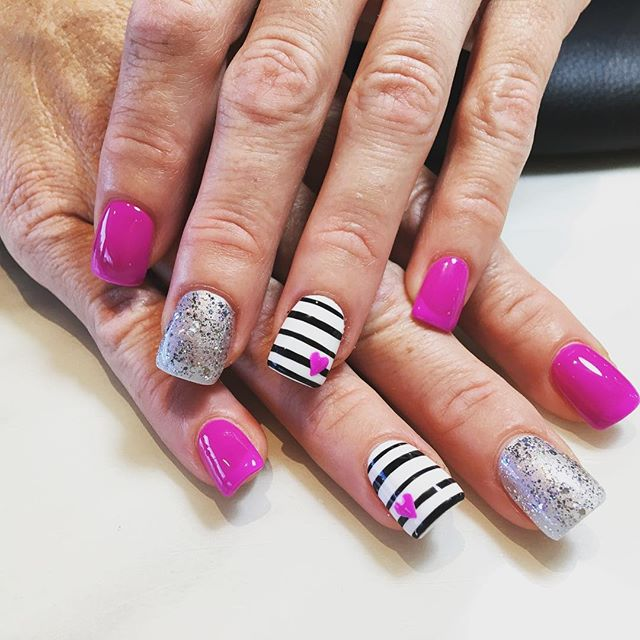 _ritz_nails_cedarburg_joslyn  #designbyjoslyn #handart #nailsalon #cedarburg #wi