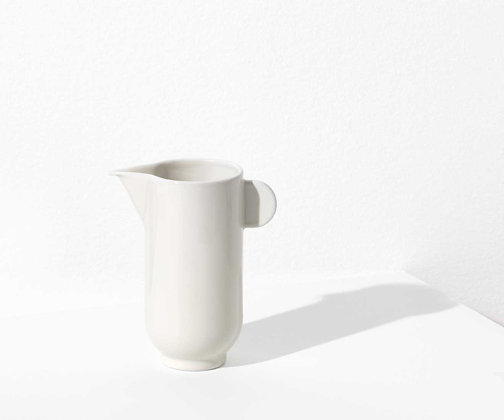 YOKO pitcher - Eggshell white
