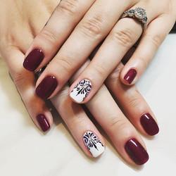 _ritz_nails_cedarburg_joslyn #designbyjoslyn #handart #hannadesign #nailsalon #cedarburg #wi