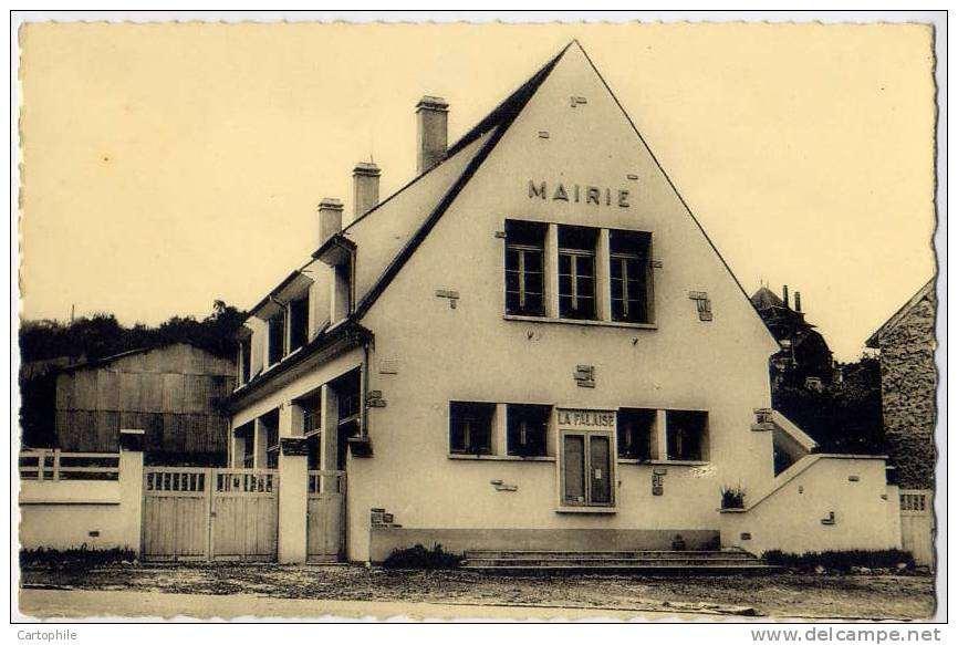 La Mairie de La Falaise vers 1950