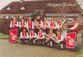 Jaren 1980 | Nieuwe pakken voor 'De Bergen Echo's'
