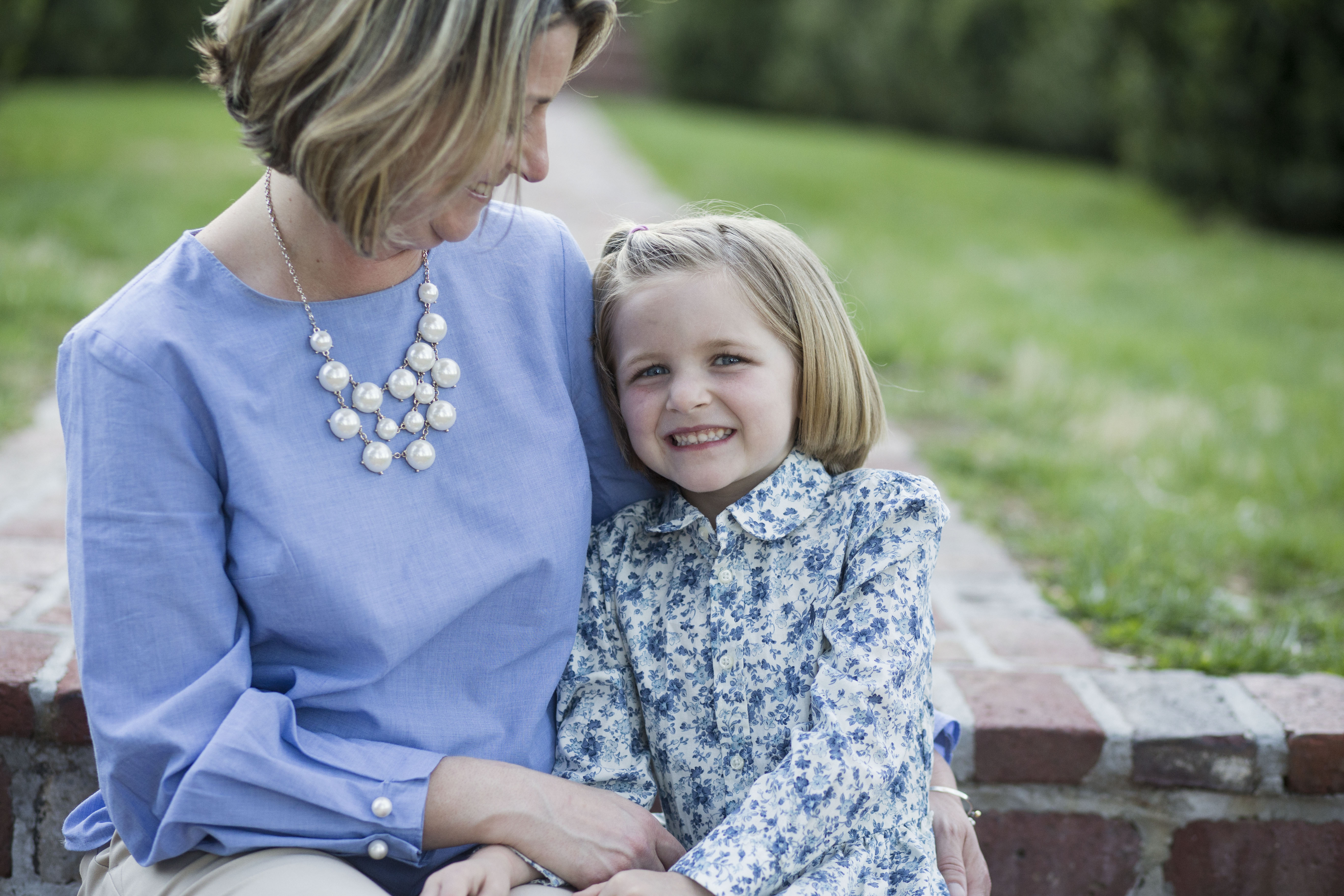 Mom and daughter at Morven Park