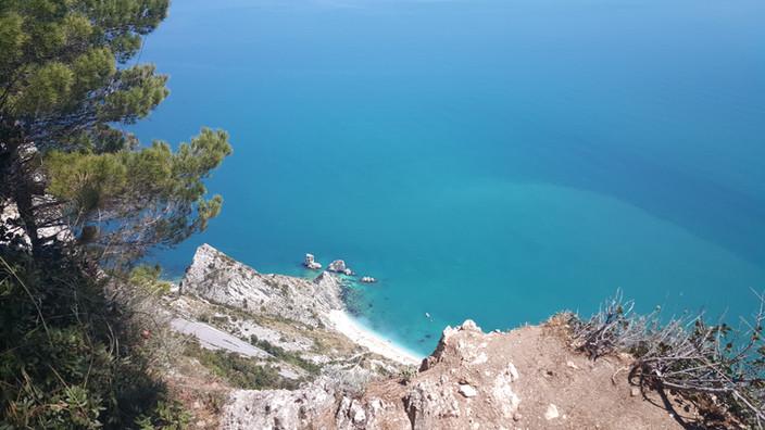 Spiaggia delle Due Sorelle a Sirolo
