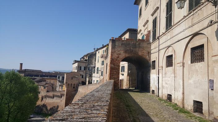 Storia e misteri nei centri storici medievali