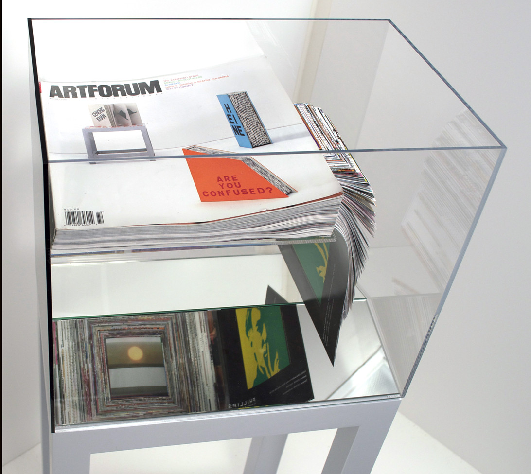 Artforum 39, Unsolicited Collaboration with Guy de Cointet