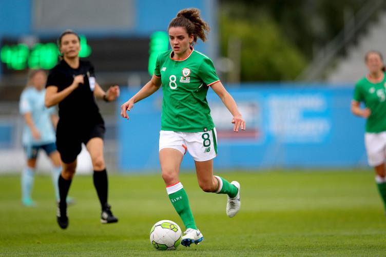 Leanne Kiernan playing for ireland