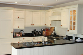 Fully Equipped Country Kitchen
