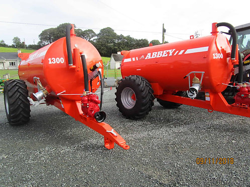 NEW Abbey 1300 gallon tankers and dribble bar (in stock)