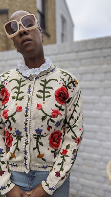Beautiful 80s floral embroidery Cardigan S M