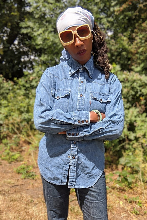 vintage 70s LEVI'S Denim shirt with dagger collar S M