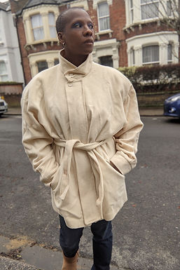 Cream Wool 80s coat with batwing and belt L XL