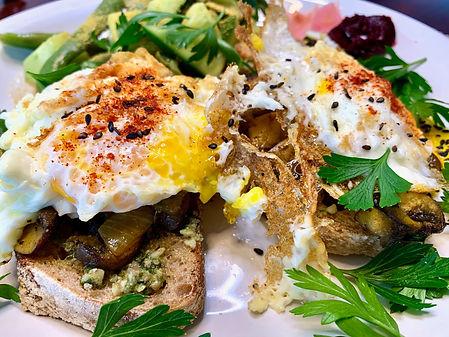Open face sandwich - walnut pesto, mushr
