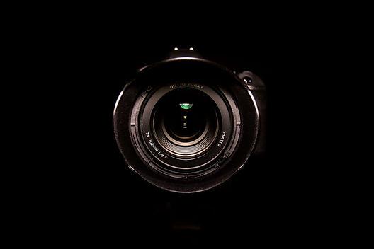 3046298-black_camera_detail-black_dslr_e