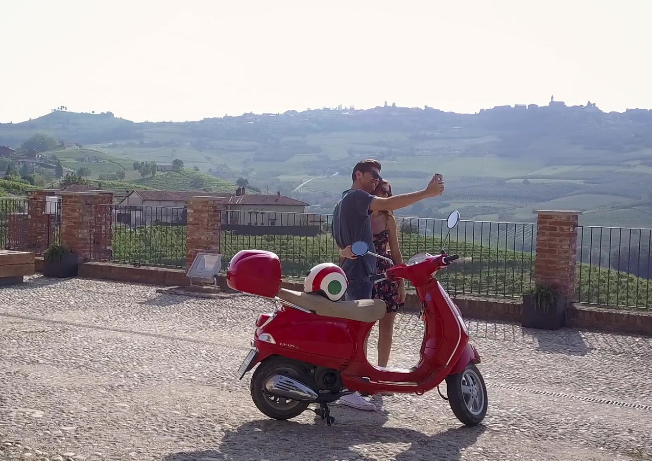 tour in vespa.mp4