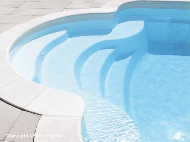 constructeur-de-piscine.jpg
