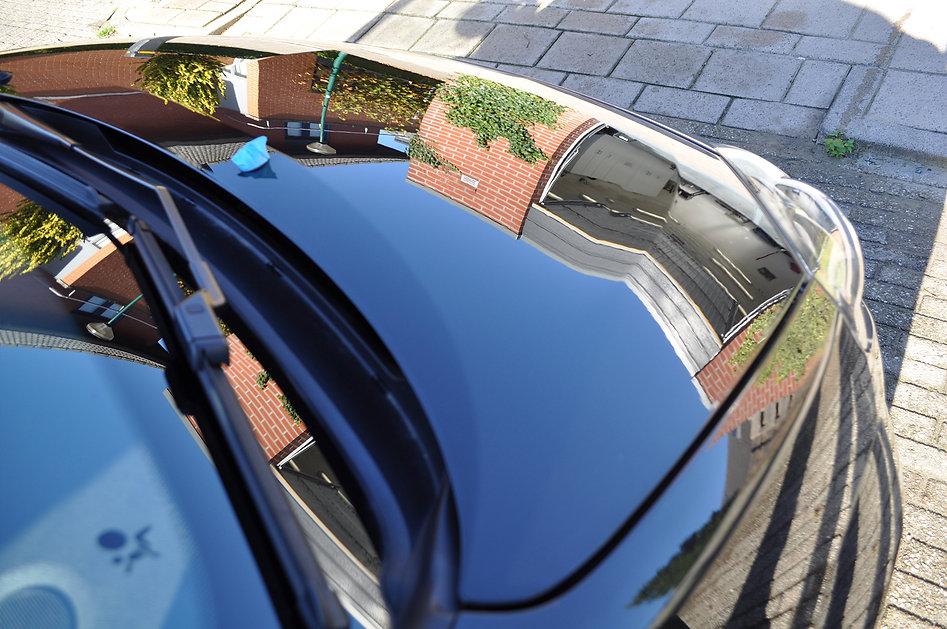 Renault-Twingo-motorkap-reflecties-lucht