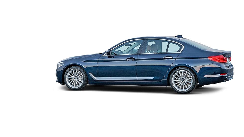 BMW-3-serie-zijkant-blauw-openingsfoto-2