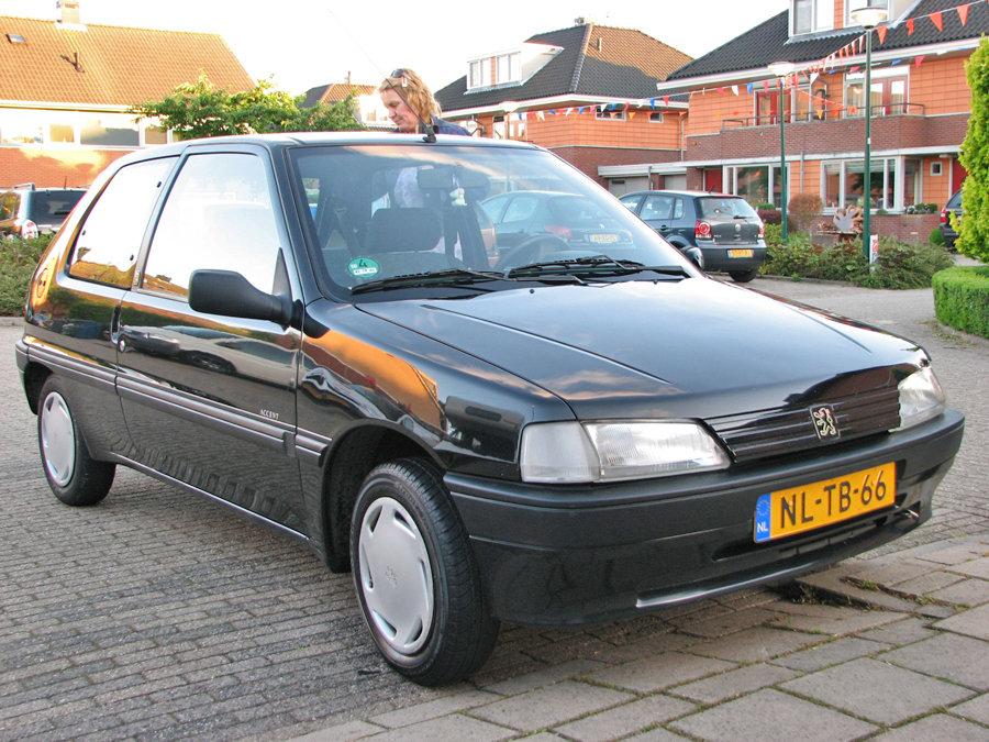 Peugeot-gepolijst voor en zijkant.jpg