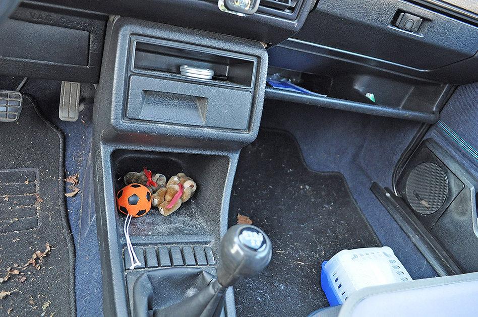 Door en door vervuild intereiur VW Golf.