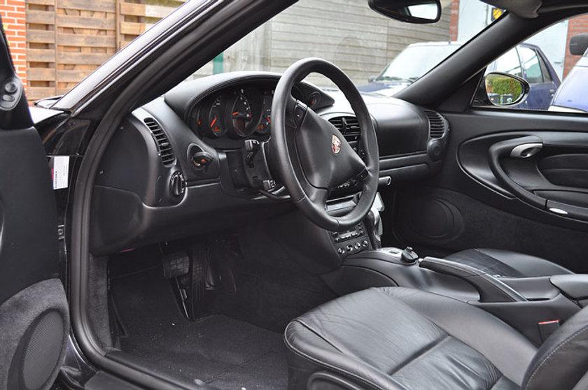 0.-Porsche-interieur.jpg