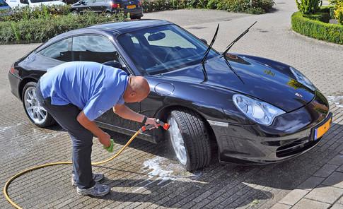 Je auto goed wassen