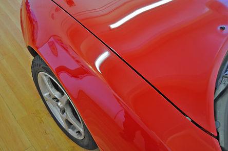 Mazda-MX5-verkrijt-zijkant-en-deel-motor