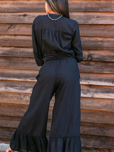 Ines Blouse black over Therese Pant