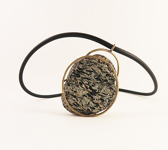 CAGED STONE NECKLACE