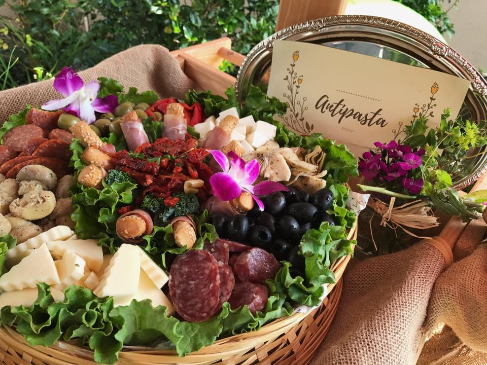 Antipasta Basket