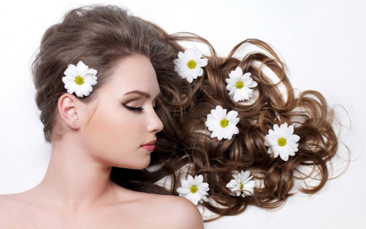 Como recuperar os cabelos pós Carnaval na praia/piscina - Blog Isabela Pierre