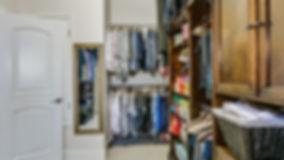 closet-4572626_1920.jpg