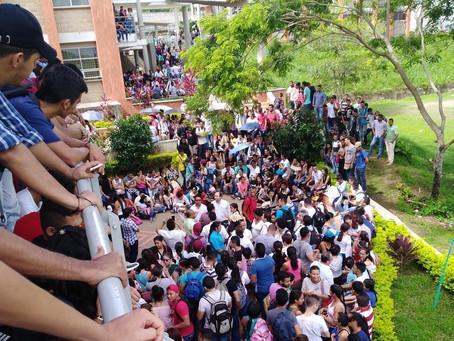 Estudiantes y profesores de UniSucre protestan por déficit de la Universidad