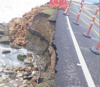 Erosión costera en Córdoba amenaza con tumbar una carretera