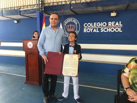 """Sammy Quillero recibió por parte del Congreso reconocimiento como """"líder de la inclusión social"""