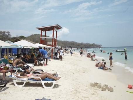 MinAmbiente anuncia que cierre de Playa Blanca podría acortarse