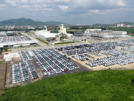 Llegaron a Santa Marta más de 1.000 vehículos importados desde Europa