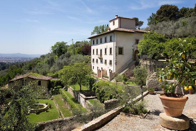 Full view of Villa Tantafera