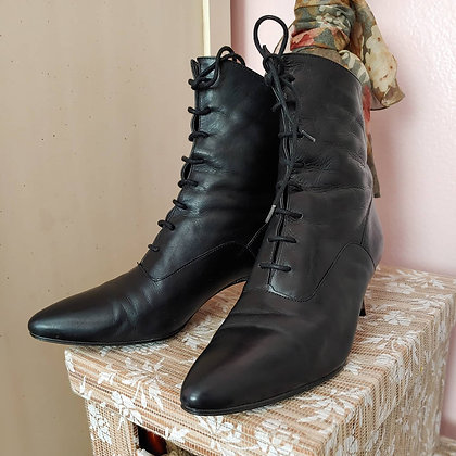 90s Black Victorian Witchy Boots, 6.5 M